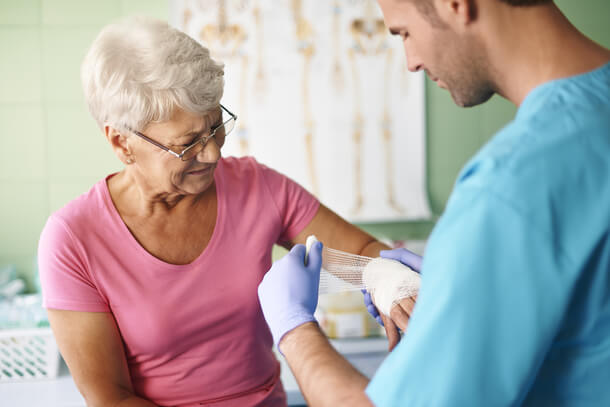 3-important-things-to-remember-when-managing-wounds-of-seniors